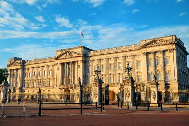 Elżbieta II podpisała ustawę upoważniającą rząd do Brexitu
