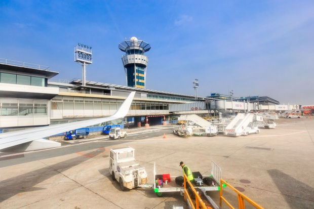Francja. Po ataku sytuacja na lotnisku Paryż-Orly wraca do normalności