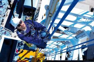 Zagrożenia podczas pracy na wysokości - rozprawiamy się z mitami
