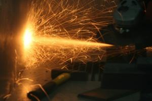 Najwięcej wypadków przy pracy jest w branży przemysłowej