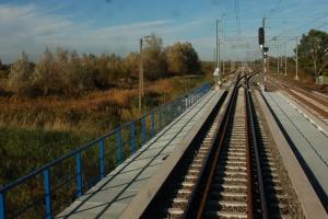 PKP PLK mają oferty na linii Wrocław - Poznań. Najtańsza za 355 mln zł