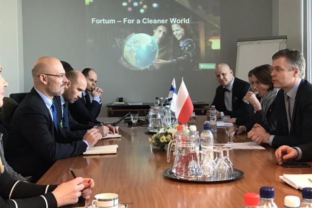 Polsko-fińskie rozmowy o współpracy energetycznej i elektromobilności