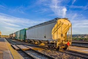 Rekordowy, 2-kilometrowy pociąg wjechał na tory
