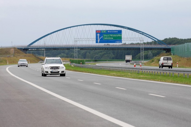 GDDKiA ma 12 ofert na budowę odcinka autostrady A2
