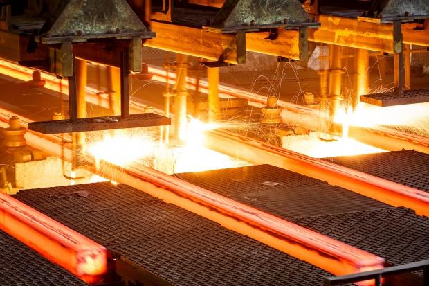 """Juncker: Chiny i UE """"zbliżyły stanowisko"""" ws. nadprodukcji stali"""