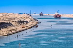Wyższość Kanału Panamskiego nad Sueskim