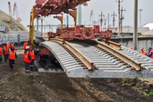 Inwestycje kolejowe w Polsce. Krzysztof Mamiński przyjmuje zakłady