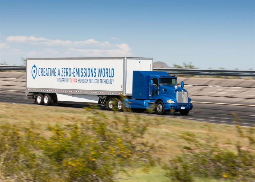 Zdjęcie numer 4 - galeria: Wodorowa ciężarówka Toyoty