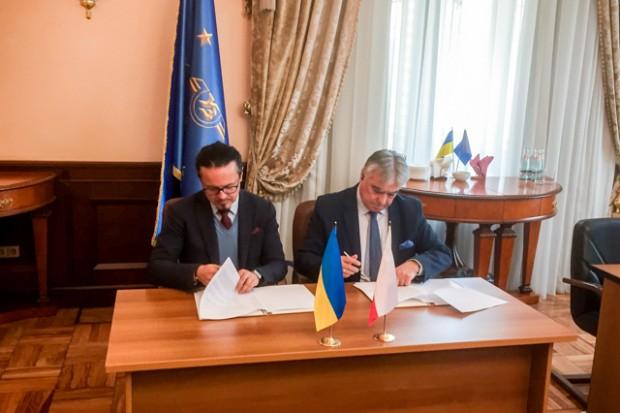 Wspólny projekt PKP LHS i Kolei Ukraińskich elektryfikacji linii kolejowej