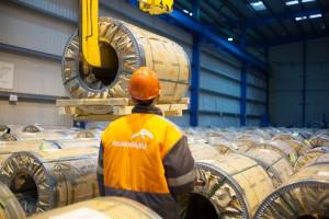 ArcelorMittal poprawia wyniki