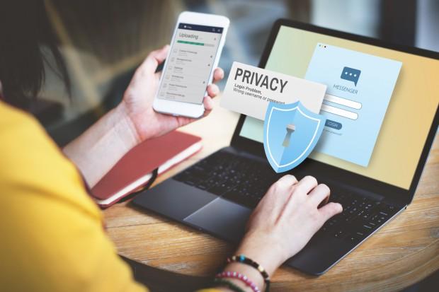 Transakcje bankowe: jak bronić się przed oszustami?