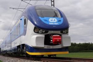 Przewozy Regionalne odebrały nowy pociąg od Pesy