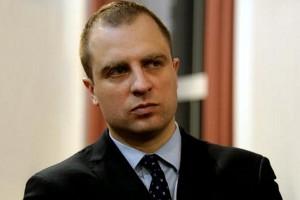 Wiceszef MON: oddaję raport o obronności w ręce ministra