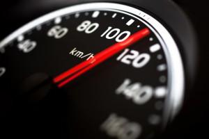 Dla ochrony budownictwa ograniczą prędkość samochodów w całym kraju