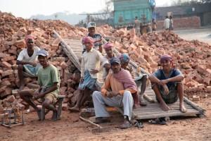 Indie. Kraj szarej strefy i koszmaru robotników