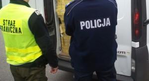 Ukraińcy przemycali bursztyn do Polski. Schowali go w ubraniach