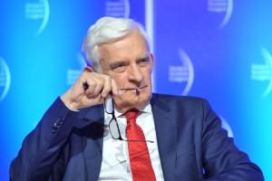 Jerzy Buzek: Euro łączy kraje Unii, o wspólnej walucie powinniśmy dyskutować
