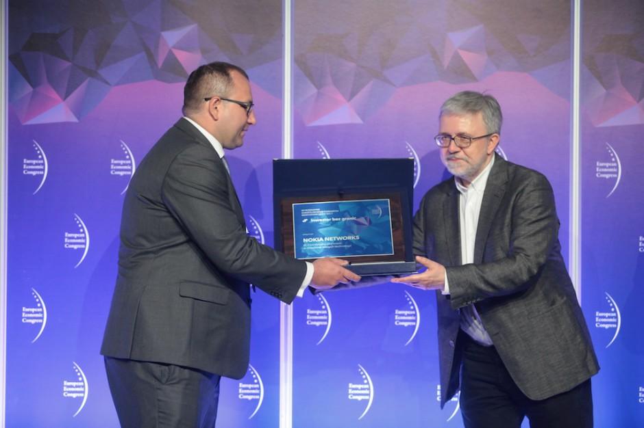 Wyróżnienie dla Nokia Networks za inwestycyjną aktywność w dziedzinie nowych technologii trafiła do rąk Bartosza Cieplucha dyrektora Europejskiego Centrum Oprogramowania i inżynierii.