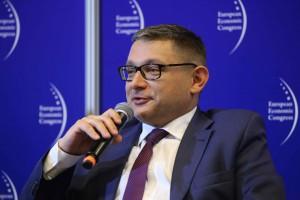 Wiceprezes PGNiG Maciej Woźniak o dostawach LNG z USA