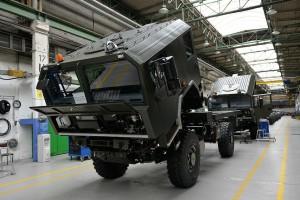 Jelcz dostarczy pojazdy dla wojska za 70 mln zł. Uzbierał już zamówień za pół miliarda zł