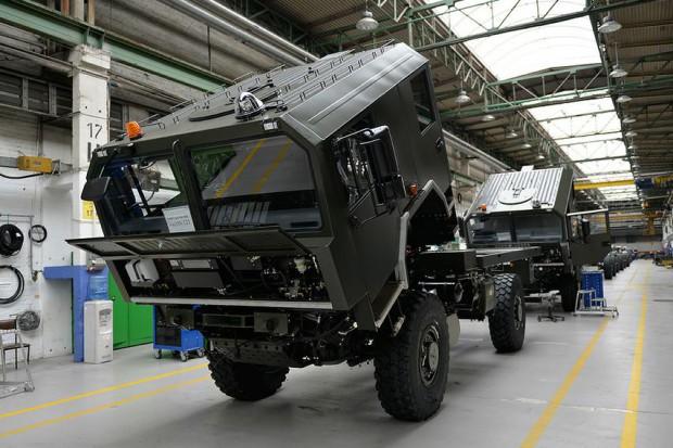Zakłady z Jelcza dostarczą pojazdy dla wojska