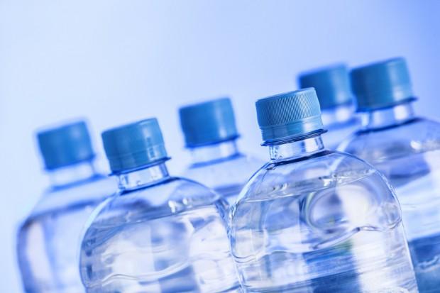 Nie będzie (na razie) kaucji za plastikowe butelki