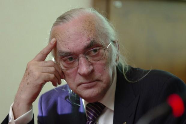 Prof. Andrzej Barczak zwraca uwagę na to, że związki zawodowe funkcjonujące w górnictwie stały się bardziej powściągliwe w wysuwaniu roszczeń. Fot. PTWP