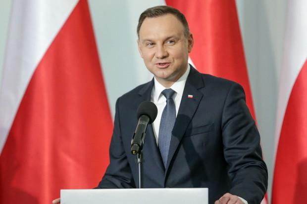 Andrzej Duda ma ustawy dot. sądów. Chce zmian w konstytucji