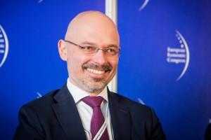 M. Kurtyka, ME: będzie możliwość tworzenia w miastach stref niskoemisyjnych dla pojazdów elektrycznych