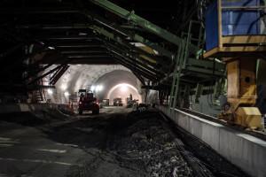 Budowa najdłuższego tunelu w Polsce przebiega bez opóźnień