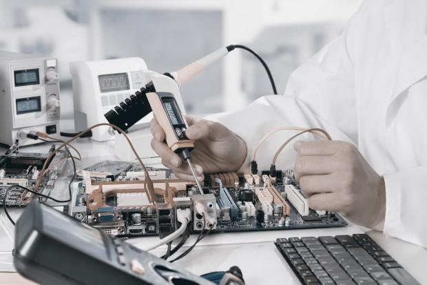 Energoelektronika - zupełnie nowy pomysł Politechniki Warszawskiej oraz MEDCOM na studia podyplomowe