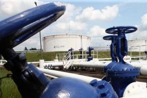 Popyt na ropę, także spoza Rosji, napędza inwestycje w PERN