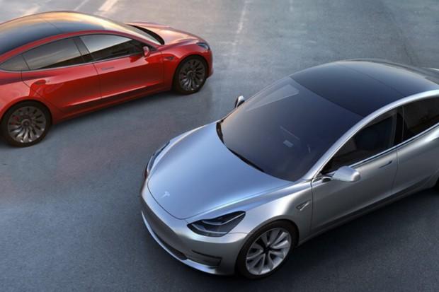 Tesla z niższym ratingiem. Poszło o zamówienia Modelu 3