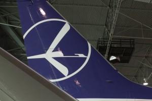 LOT zaprezentował siódmego Dreamlinera, który upamiętnia Cichociemnych