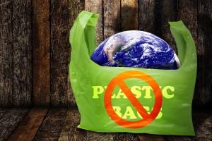 Opłaty za torebki foliowe zasilą inne cele, niż przewidywano?