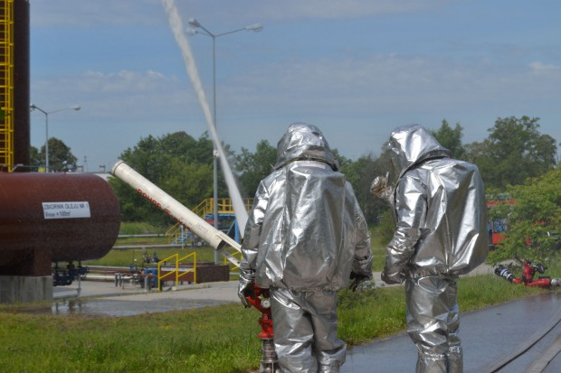 Ćwiczenia pożarowe w Podziemnym Magazynie Ropy i Paliw Góra