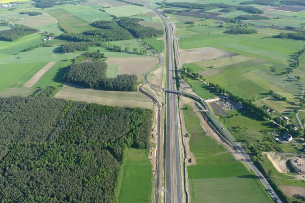 Strabag realizuje m.in. budowę autostrad i dróg ekspresowych. Nz. droga ekspresowa S7, odcinek Nidzica - Napierki. Fot. Strabag