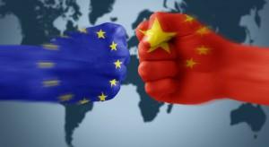 Chiny wykupują Europę. Broniąc się Unia może strzelić sobie samobójczego gola