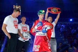 Robert Talarek, górnik z PGG, triumfuje na bokserskim ringu