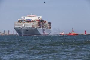 Zdjęcie numer 2 - galeria: Największy kontenerowiec świata w Gdańsku