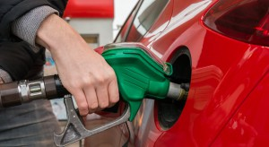 Analitycy: od przyszłego tygodnia na stacjach paliw będzie drożej
