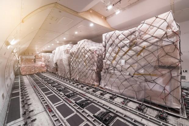 Transport lotniczy bije rekordy stawek frachtu