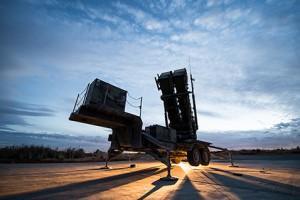 Macierewicz: system Patriot może dojechać wcześniej