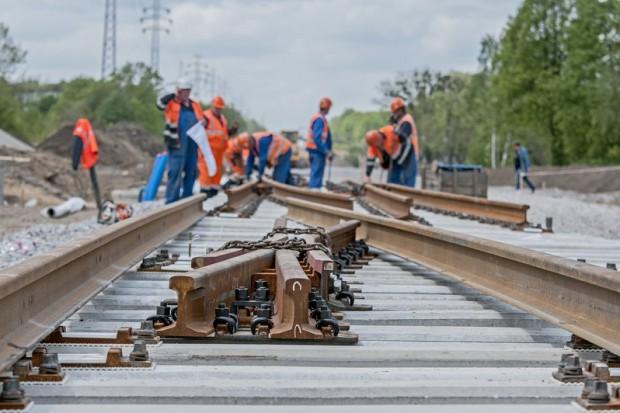 Andrzej Adamczyk: pieniądze, wydane na Krajowy Program Kolejowy, zostają w Polsce