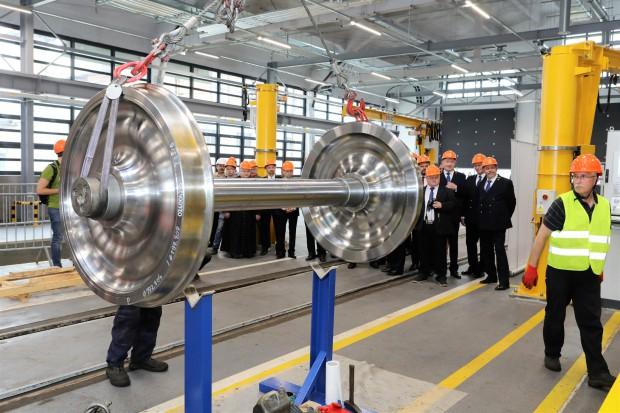 PKP Cargo uruchomiła produkcję monoblokowych zestawów kołowych