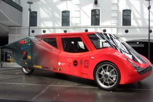Studenci Politechniki Łódzkiej zbudowali samochód napędzany energią Słońca