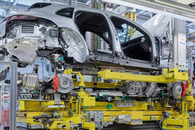 Porsche zapowiada wielką elektryfikację samochodów