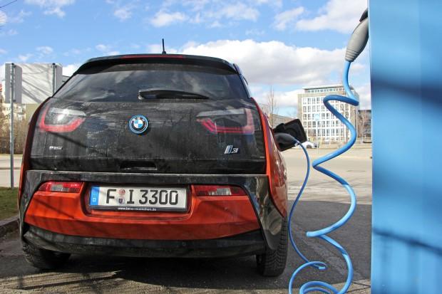 BMW zapowiada totalną elektryfikację