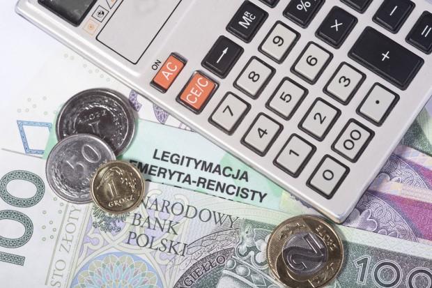Zniesienie limitu składek emerytalnych dopiero za rok