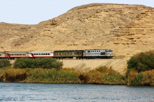Egipt. 36 zabitych i ponad stu rannych w wypadku kolejowym